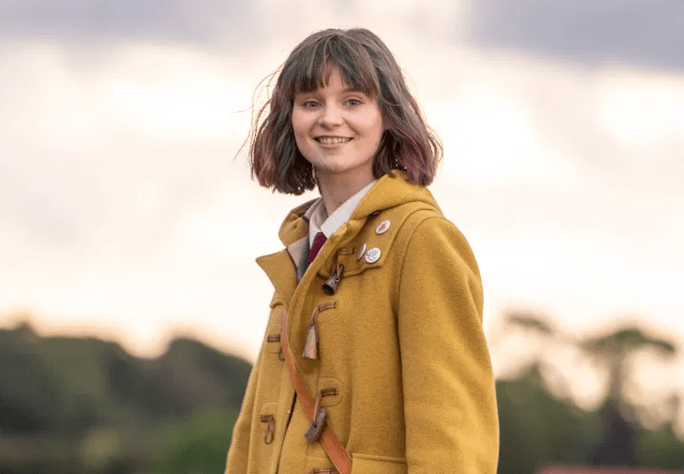 Lola Petticrew Height, Weight, Net Worth, Age, Birthday, Wikipedia, Who,  Instagram, Biography | TG Time